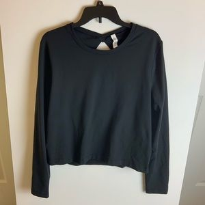 Lululemon Athletics long sleeve shirt - back out.